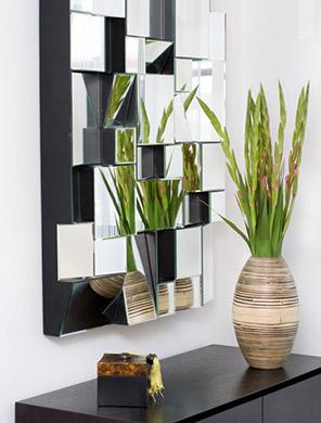 vase-mirror-296x390